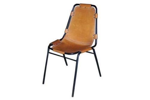 Une piste sur les origines de la chaise cuir présente dans les appartements  des Arcs