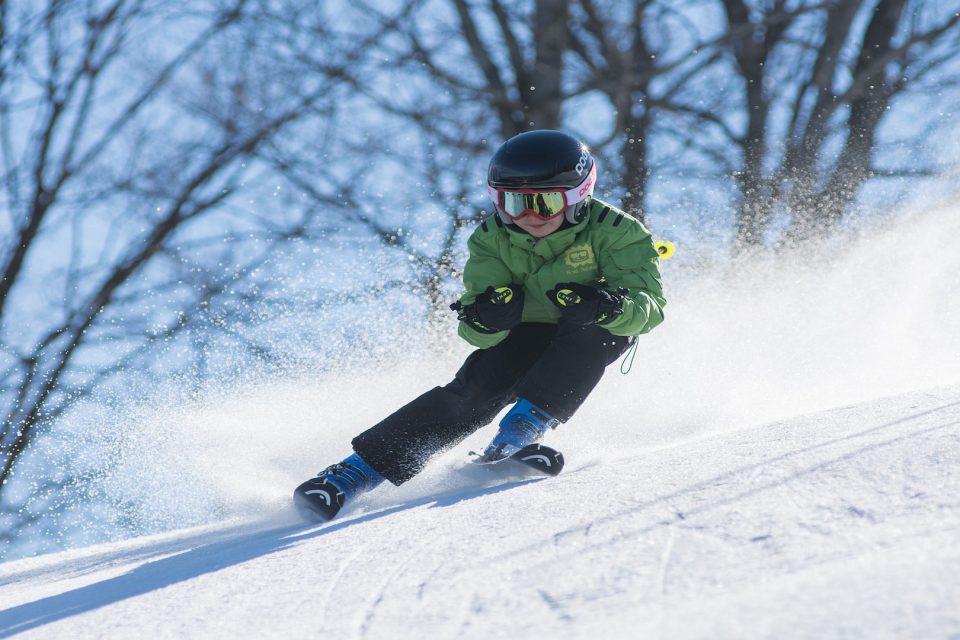 Belle courbe et sensations : comment améliorer sa technique à ski ?