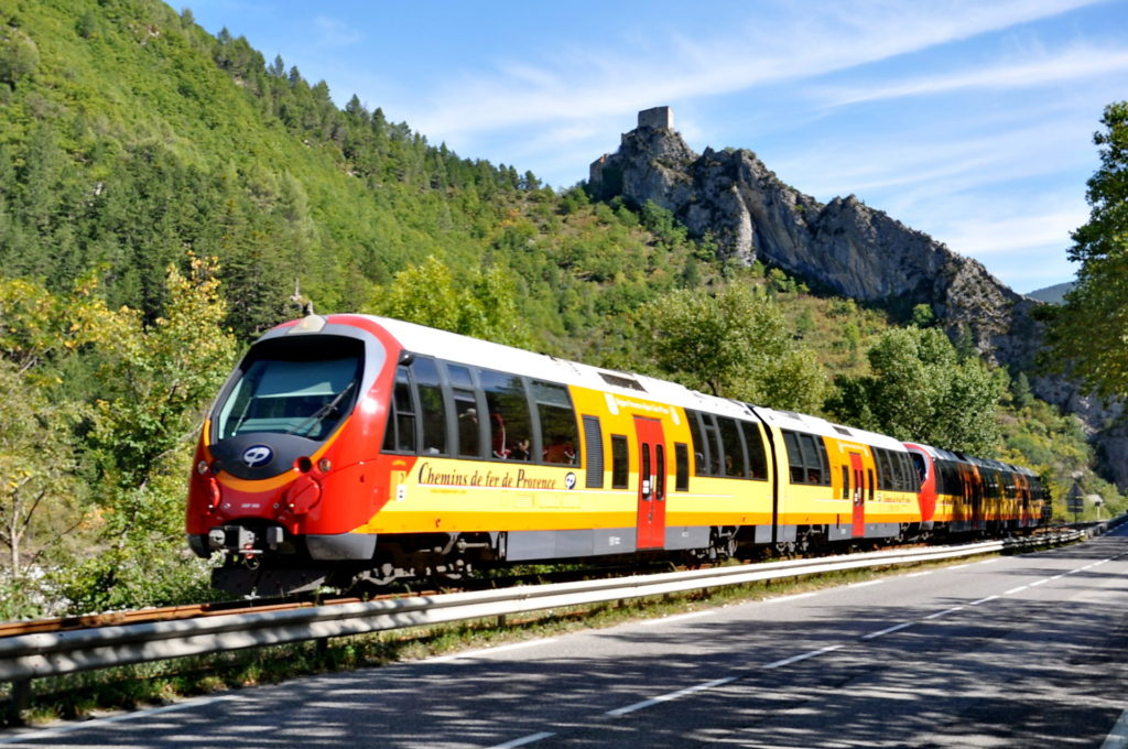 allos-val-allos-landscape-raisons-de-venir-allos-departement-06-haute-provence-alpes-du-sud-mercantour-train-des-pignes