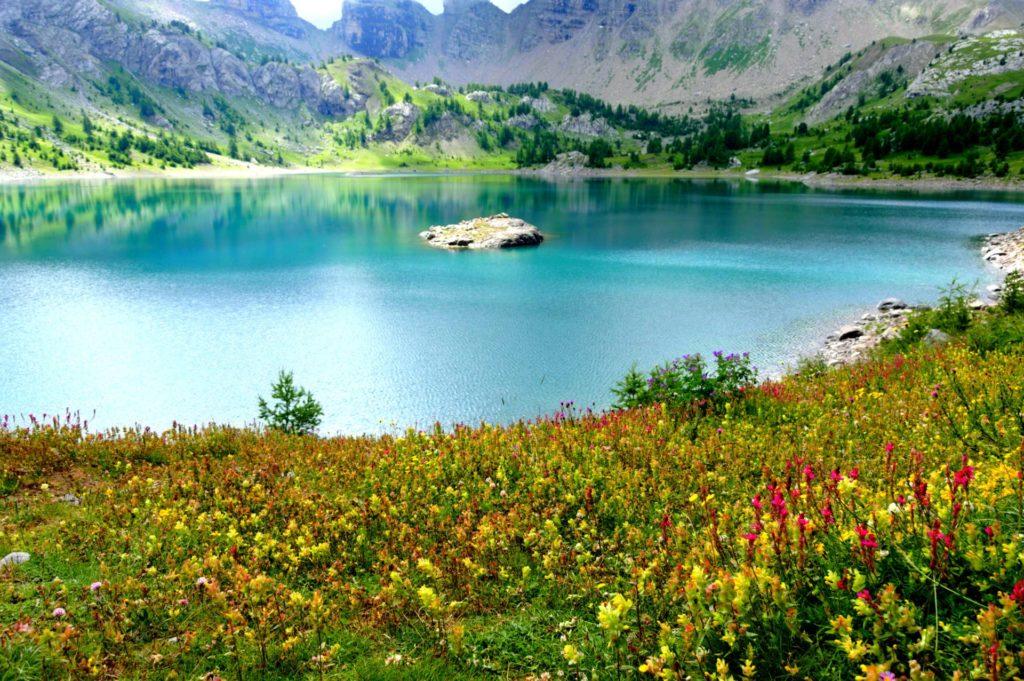 allos-val-allos-landscape-raisons-de-venir-allos-departement-06-haute-provence-alpes-du-sud-mercantour-lac-allos-glacier