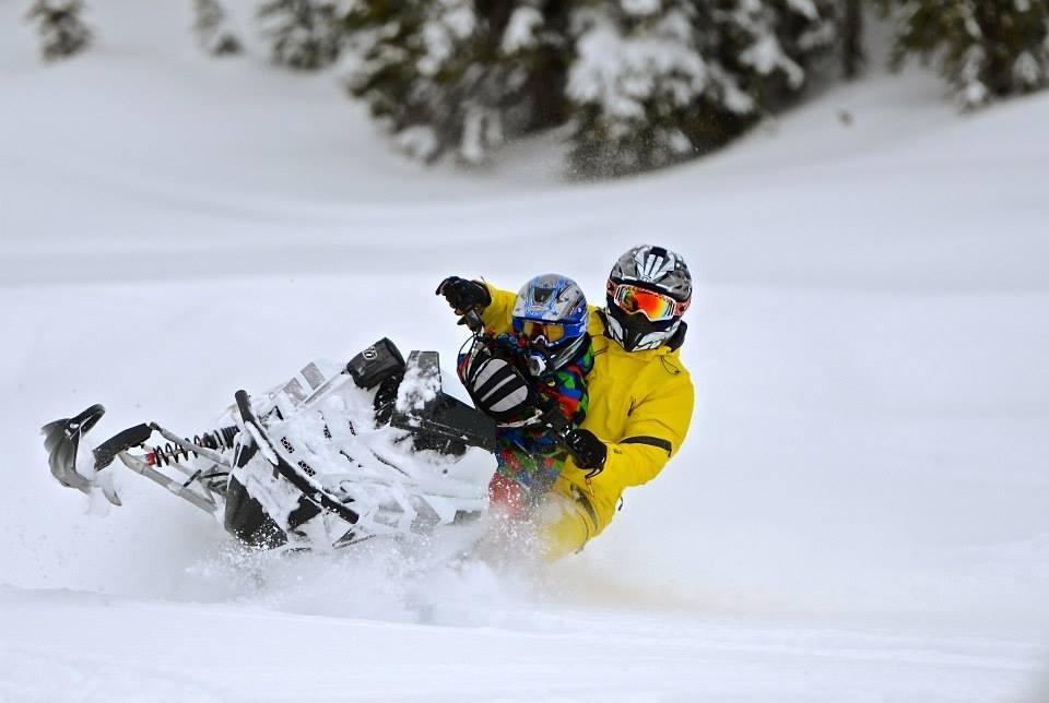 plagne-montchavin-lescoches-paradiski-sport-hiver-montagne-neige-savoie-tarentaise-ski-winter-paysage-familles-vacances-2021-motoneige-sport