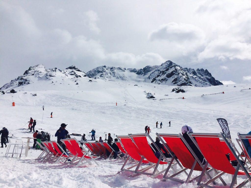 val-thorens-savoie-live-united-montagne-ski-trois-vallées-meijie-caron-meilleure-station-du-monde-world-ski-awards-developpement durable-écologie-renouvelable-rechauffement-climatique-domaine-skiable-de-france-neutralité-carbone
