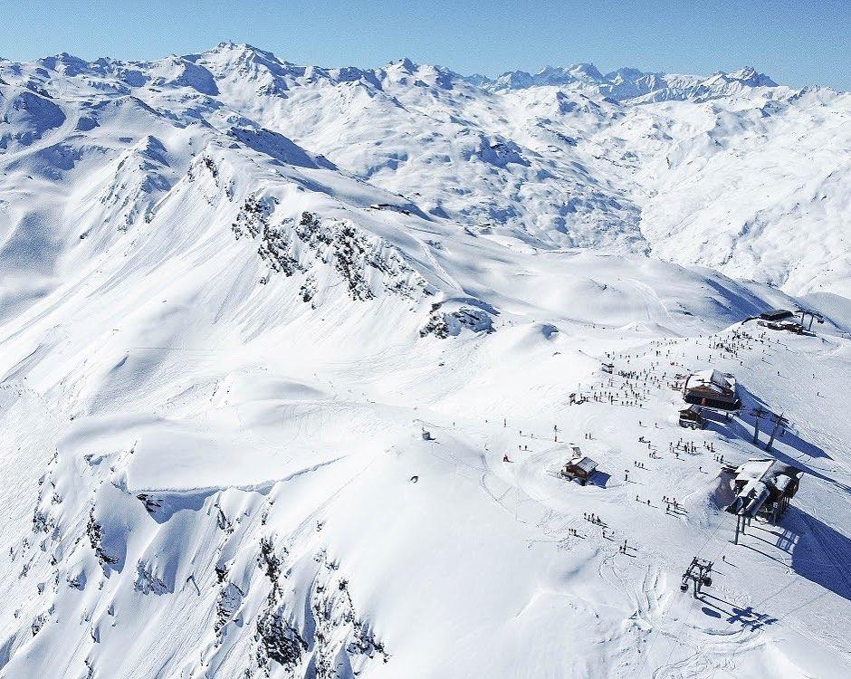 val-thorens-ski-savoie-alpes-du-nord-3-vallées-domaine-skiable-vacances-hiver-activités-neige-station-de-ski-peclet-caron