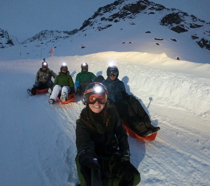 val-thorens-ski-savoie-alpes-du-nord-3-vallées-domaine-skiable-luge-cosmojet-vacances-hiver-activités-neige-station-de-ski