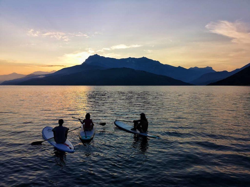 lac-de-serre-poncon-embrun-eaux-turquoise-activités-kayak-paddle-hautes-alpes-alpissime